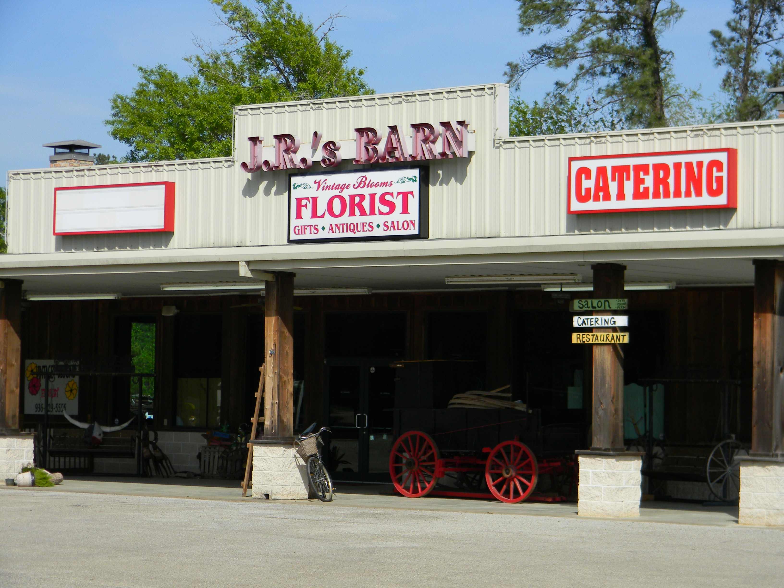 jrs-barn-front-close